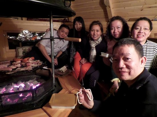 Corrie Liath B & B: our barbecue dinner in barbecue hut
