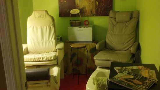 Solstice Salon & Spa: Pedicure Room