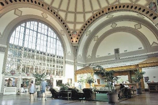 Chattanooga Choo Choo: The grand breathtaking lobby