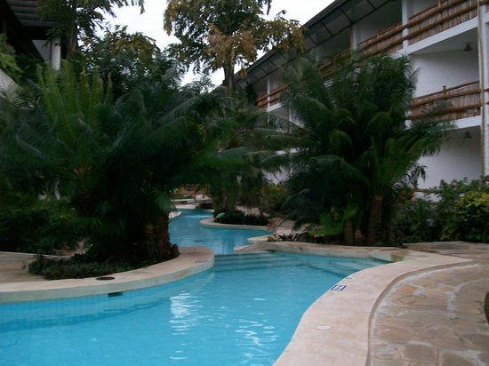 Travellers Beach Hotel & Club: view from pool