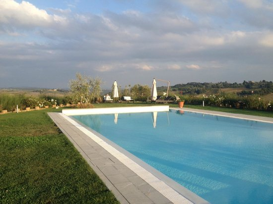 Agriturismo Il Castagno: Beautiful Pool