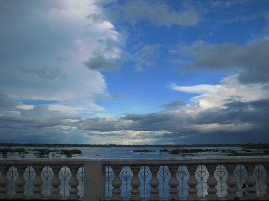 Allpahuayo Mishana National Reserve: iquitos sunset