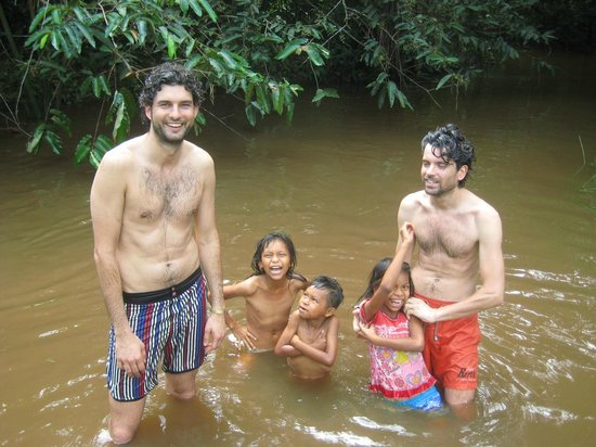 Allpahuayo Mishana National Reserve: bathing with kids