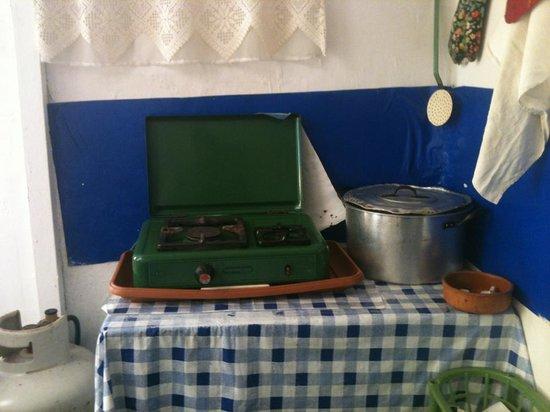 To Spiti Tis Irinis : The kitchen