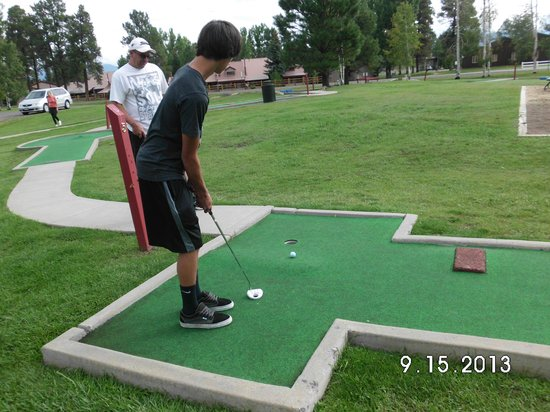 Wyndham Pagosa: Fun at the putt putt onsite