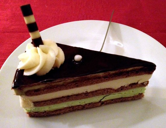 Mexita: Pistachio cake