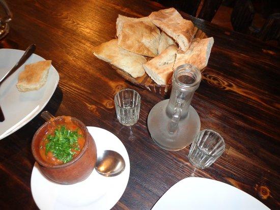 Guliani: лобио и хлеб