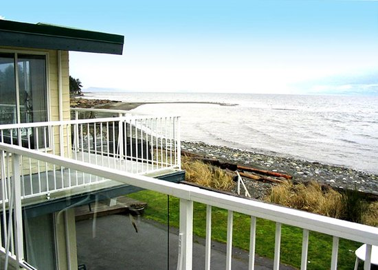 Qualicum Beach House: Balcony of Brant suite