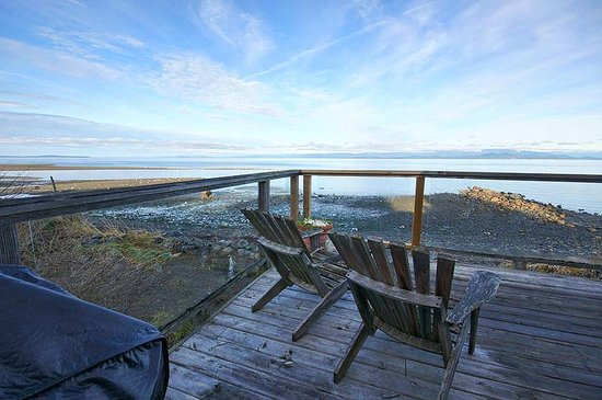 ‪‪Qualicum Beach House‬: balcony of Eagleview suite‬