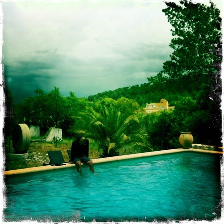 Masia Mas Xipres: View from pool