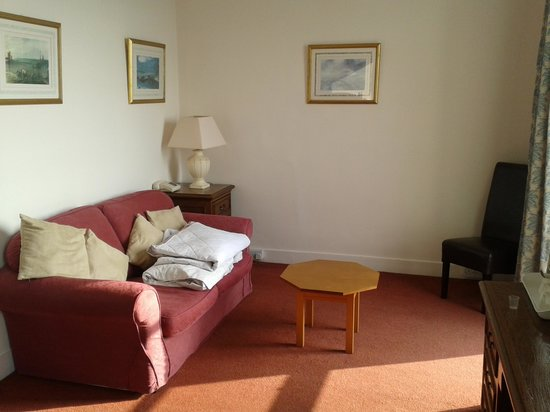 The Royal Norfolk Hotel: Plenty of space in our room
