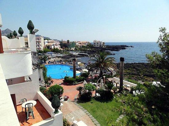 Arathena Rocks Hotel: View from balcony