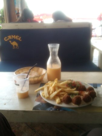 "Camel Beach: ""Egyptian snack"" and fruit shake"