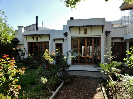 Art Hotel Deco: Backyard