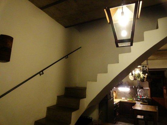 Art Hotel Deco: Kitchen stairs