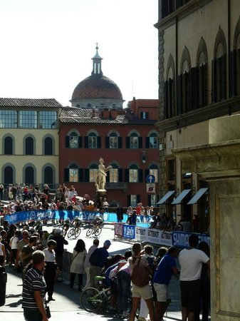 La Loggia Bed & Breakfast: the World Road Bike Championships at the end of our street