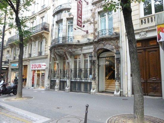 Vue cours photo de elysees ceramic hotel paris for Comparateur prix hotel paris