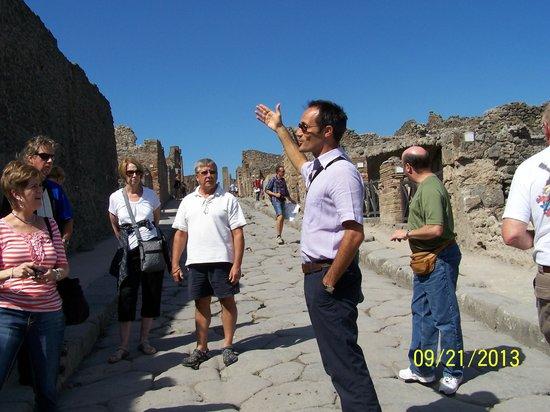 Leisure Italy - Tours : Fabrizio @ Pompeii