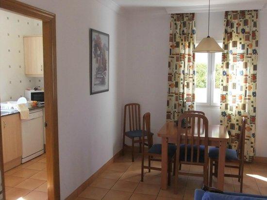 Villas Amarillas: Dining area