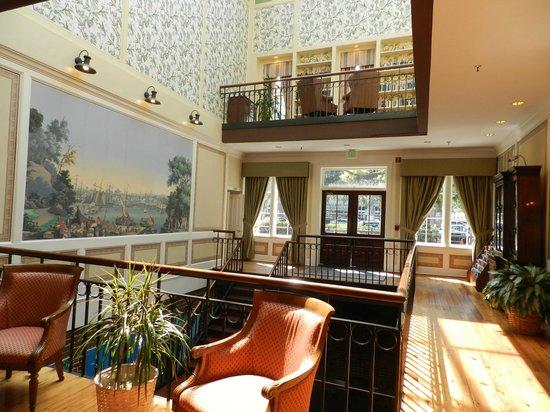 River Street Inn : Library on the 5th floor
