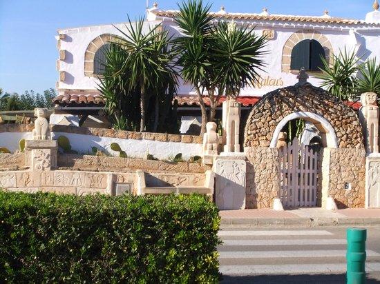 Villas Amarillas: Villa around the corner