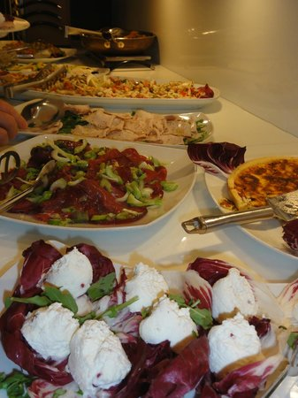 Hotel Belvedere : Great food selection three times daily