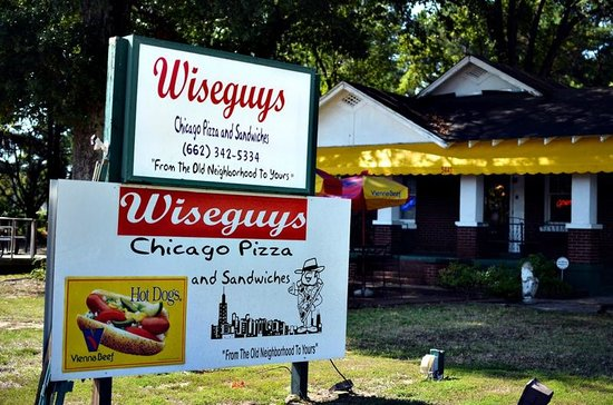 Horn Lake, MS: Wiseguys from the outside