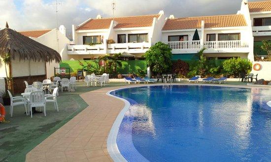 Costa Adeje Garden: court yard