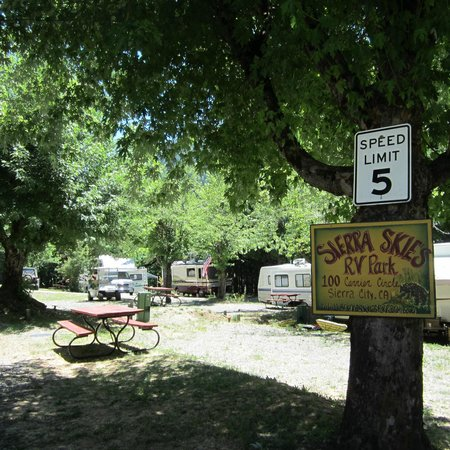 Sierra Skies RV Park: View for some of the sites here at the park.