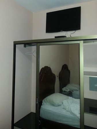 Hotel San Remo: Номер