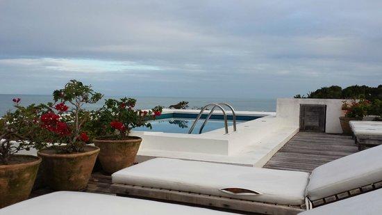 Maitei Hotel: piscina no terraço