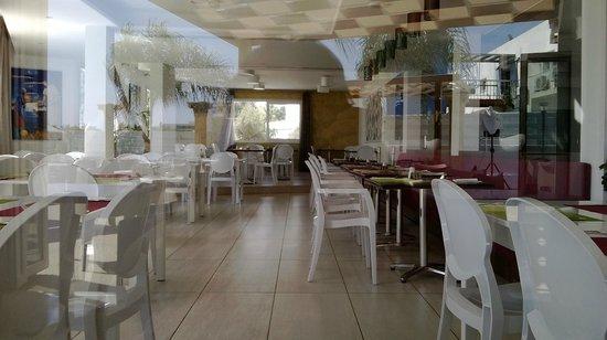New Famagusta Hotel : Столовая