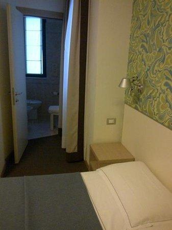 Key Hotel: camera 309