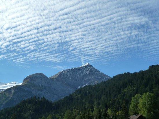 Lauenen, Switzerland: Blick vom Zimmer aus