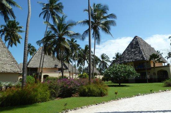 Neptune Pwani Beach Resort & Spa : Bungalows de 6 chambres