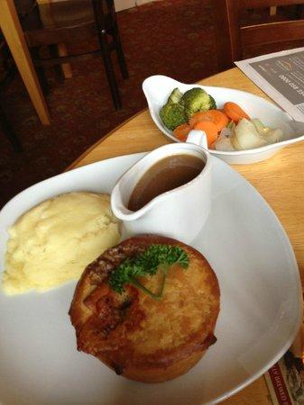 The Drewe Arms: steak and stilton