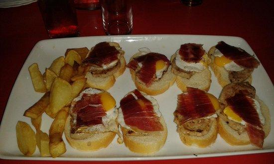 Cerveceria Juanpe: solomillos con jamon y huevo