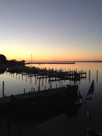 Chippewa Hotel Waterfront: Morning View