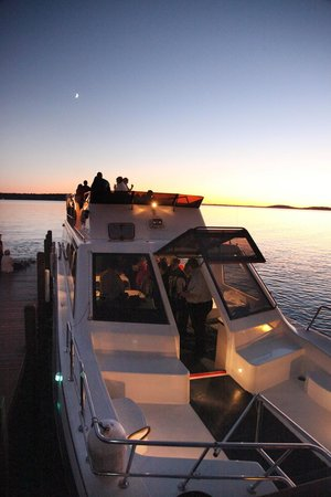 Escapade Yacht: Private Evening Cruise