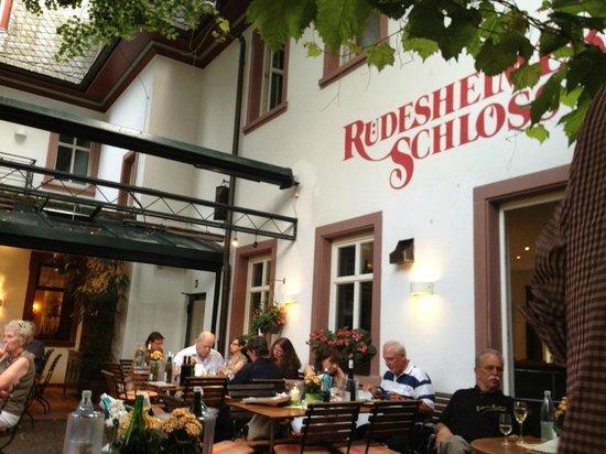 Breuer's Rüdesheimer Schloss : The writing on the wall
