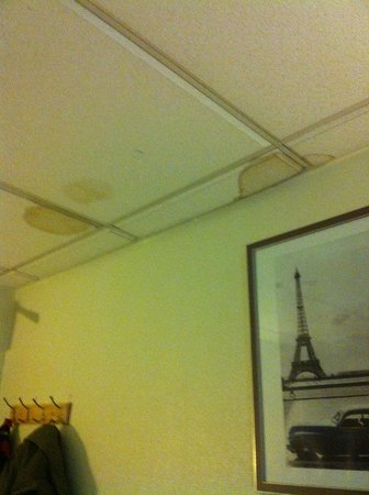 Jarry Hotel: Teto quarto