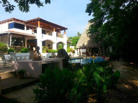 Villa Alegre - Bed and Breakfast on the Beach: Villa Alegre