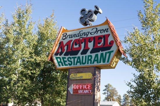Branding Iron Motel: Hotel