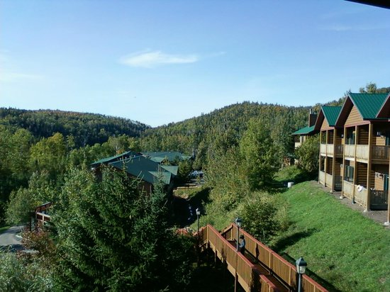 Eagle Ridge at Lutsen Mountain : ski hills and other condos