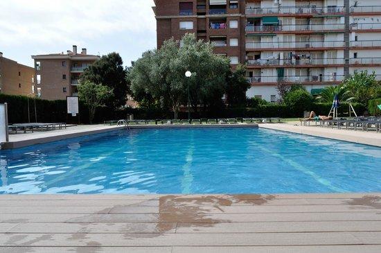 Hotel Fenals Garden: Классный бассейн