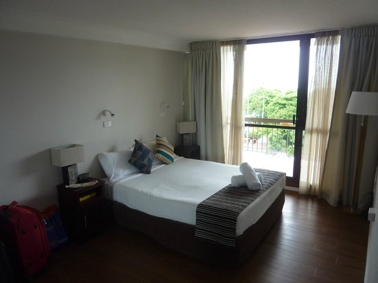 Cairns Plaza Hotel: Quarto