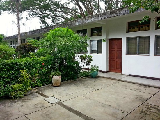 Hotel Jaguar Inn Santa Elena: Внутренний дворик