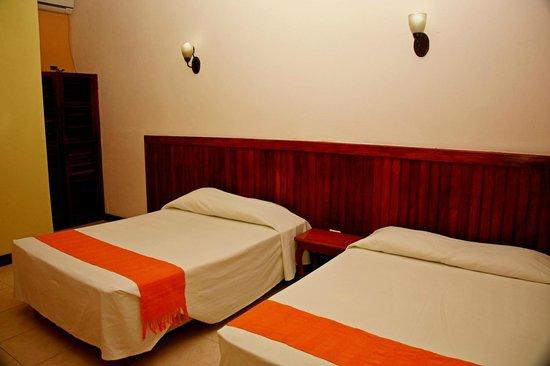 Hotel Jaguar Inn Santa Elena: Номер