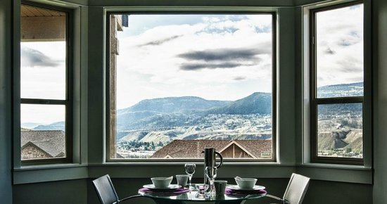 The Tenth Bed and Breakfast : Breakfast with a view