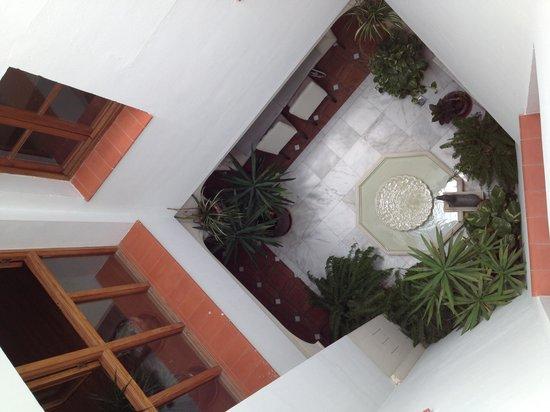 Hospederia del Atalia : Vista dalla nostra camera (praticamente è la hall dell'hotel)
